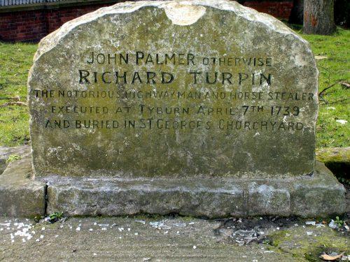 Ο τάφος του Τέρπιν στον περίβολο της εκκλησίας του Αγίου Γεωργίου, στο Γιορκ