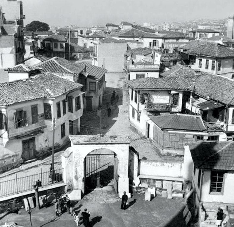 Η είσοδος της Ροτόντας, 1947