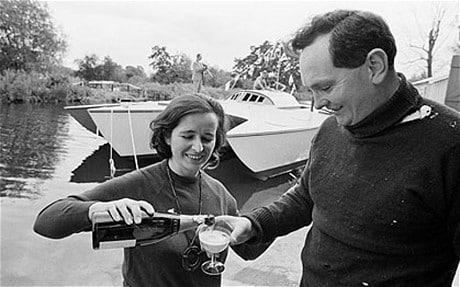 Ο Ντόναλντ Κράουχερστ με τη σύζυγό του, Κλαιρ