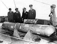 Η τέταρτη βόμβα, στο κατάστρωμα του USS Petrel
