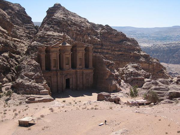 """Το αποκαλούμενο """"Μοναστήρι"""", στην Πέτρα της Ιορδανίας"""