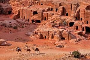 Ταφικά μνημεία στην Πέτρα της Ιορδανία