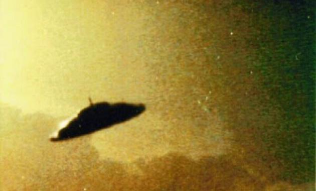 Ιπτάμενος δίσκος πάνω από τους Αγίους Αναργύρους…
