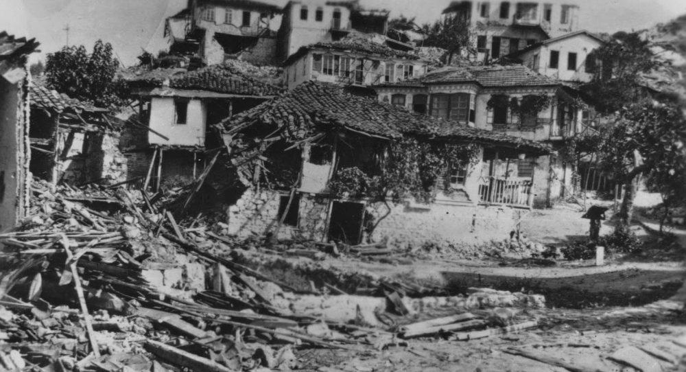 Μετά τον φονικό σεισμό στην Χαλκιδική, τον Σεπτέμβριο του 1932