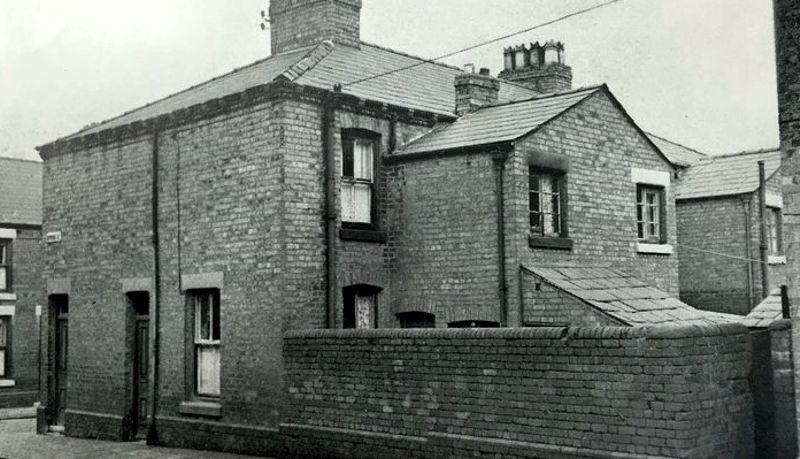 Το σπίτι της οδού Μπάιρον, στο Λονδίνο, όπου η οικογένεια Τζόουνς βίωσε μία σειρά μεταφυσικών γεγονότων
