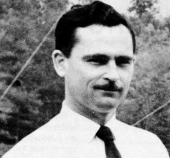 Δρ. Ρόναλντ Μπρέισγουελ (22/07/1921 – 12/08/2007)