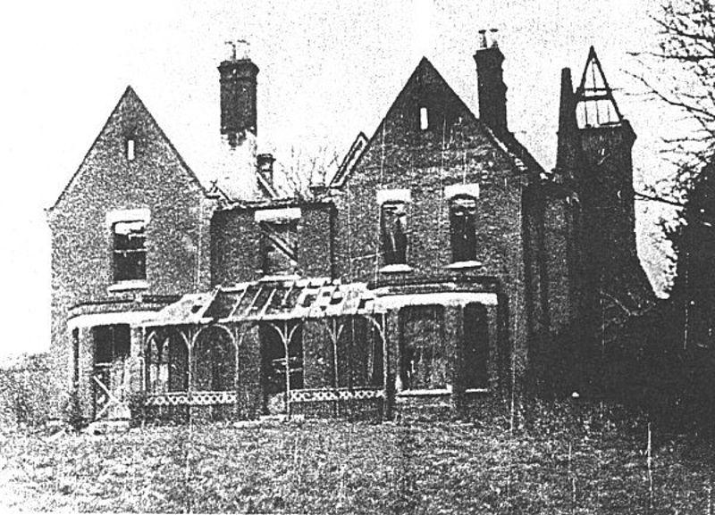 Το Πρεσβυτέριο του Μπόρλεϊ, μετά τη φωτιά στις 27/02/1939