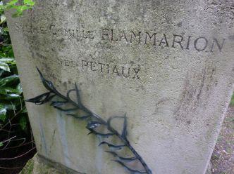 Ο τάφος του Camille Flammarion