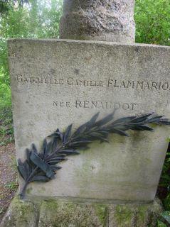 Ο τάφος της Gabrielle Renaudot Flammarion