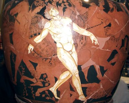 Ο θάνατος του Τάλου, κρατήρας του 4ου π.Χ. αιώνα. Ο Τάλως αποτελεί το πρώτο ρομπότ της αρχαιότητας, κατασκευασμένο από τον Δαίδαλο