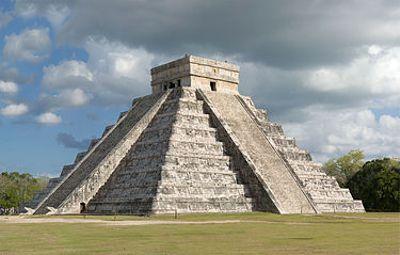 Η πυραμίδα Τσιτσέν Ιτζά στο Γιουκατάν
