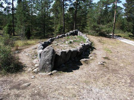Ο τάφος σε σχήμα πλοίου που αποδίδεται στον Tjelvar