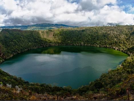 Η λίμνη Guatavita