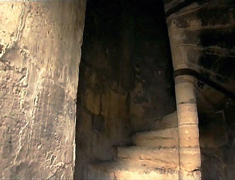 Η ελικοειδής σκάλα της Κολόνας των Μεδίκων