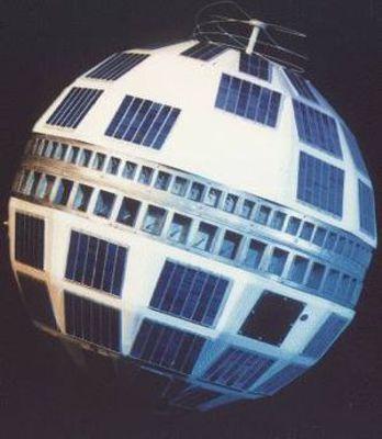 """Ο τηλεπικοινωνιακός δορυφόρος """"TELSTAR 1"""", που εκτοξεύτηκε στις 10/07/1962 από το Ακρωτήριο Κανάβεραλ"""