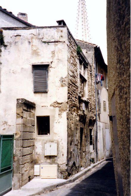 Το σπίτι στο οποίο θεωρείται πως γεννήθηκε ο Νοστράδαμος, στο Saint-Remy-de-Provence