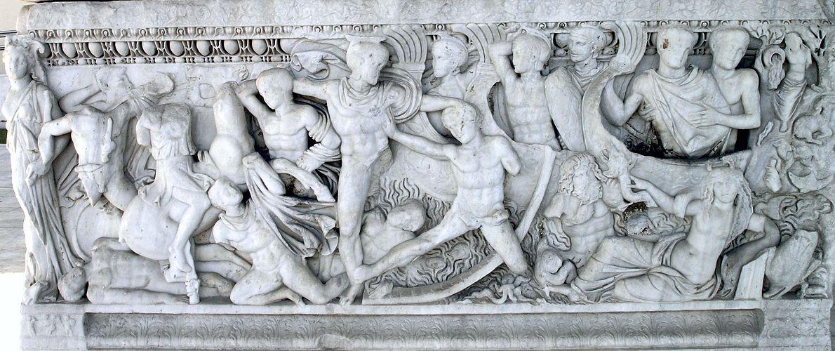 Μάχη κοντά στα πλοία των Ελλήνων στα παράλια της Τροίας, Αθηναϊκή σαρκοφάγος, Αρχαιολογικό Μουσείο Θεσσαλονίκης, δεύτερο τέταρτο του 3ου αιώνα π.Χ.