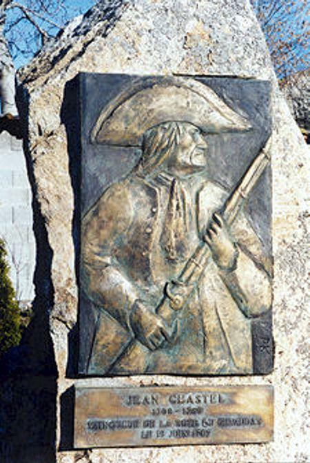 Προτομή του κυνηγού Jean Chastel, που σκότωσε το Κτήνος της Ζεβοντάν