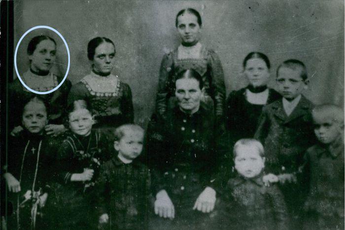 Η Therese Neumann με την οικογένειά της
