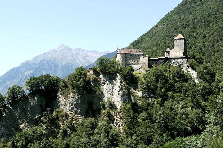 Το κάστρο του Τυρόλο