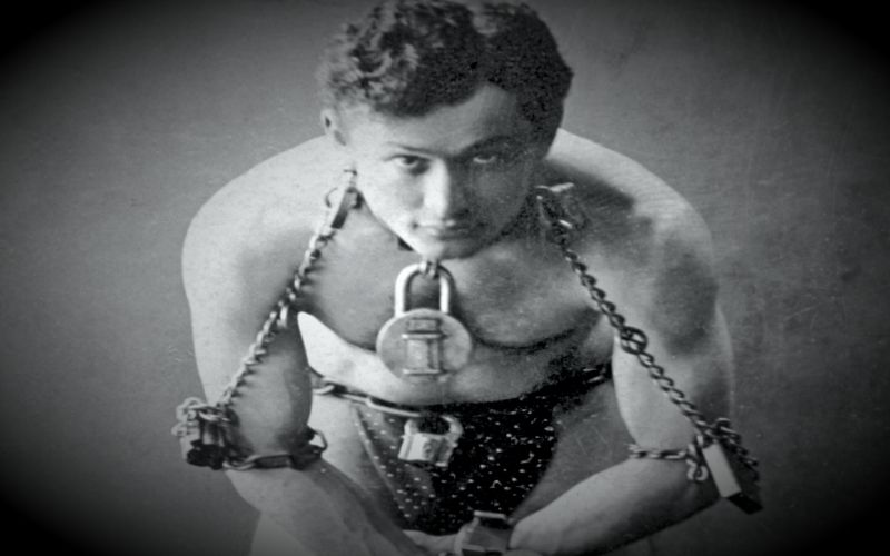 "Harry Houdini - Ο ""Λευκός Φακίρης""..."