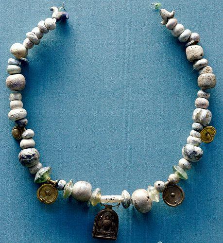 Φοινικικό γυάλινο περιδέραιο, 5ος - 6ος αιώνας π.Χ.