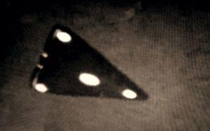 Μυστηριώδη τριγωνικά ιπτάμενα αντικείμενα πάνω από τη Γαλλία, το 1952…