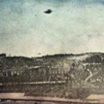 Καταδίωξη ιπτάμενου δίσκου από γαλλικά μαχητικά αεροσκάφη, το 1954…