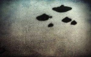 Σμήνος ιπτάμενων δίσκων πάνω από το Παλέρμο της Ιταλίας, το 1950...