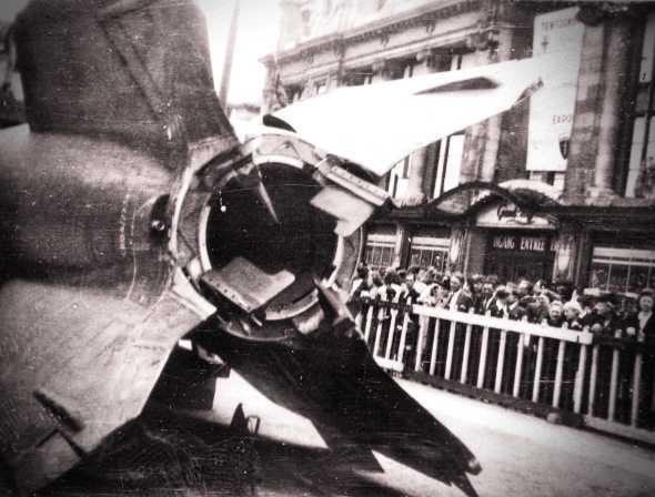 Πύραυλος V-2, ο οποίος επιδεικνύεται σε κοινή θέα στην Αμβέρσα του Βελγίου, το 1945