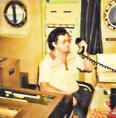 Ο Ασυρματιστής του Εμπορικού Ναυτικού, ο κύριος Πολύκαρπος Σπέντζας, τον Νοέμβριο του 1978