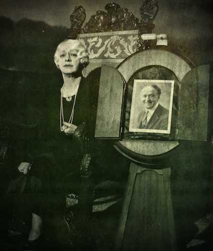 Bess Houdini (23/01/1876 - 11/02/1943)