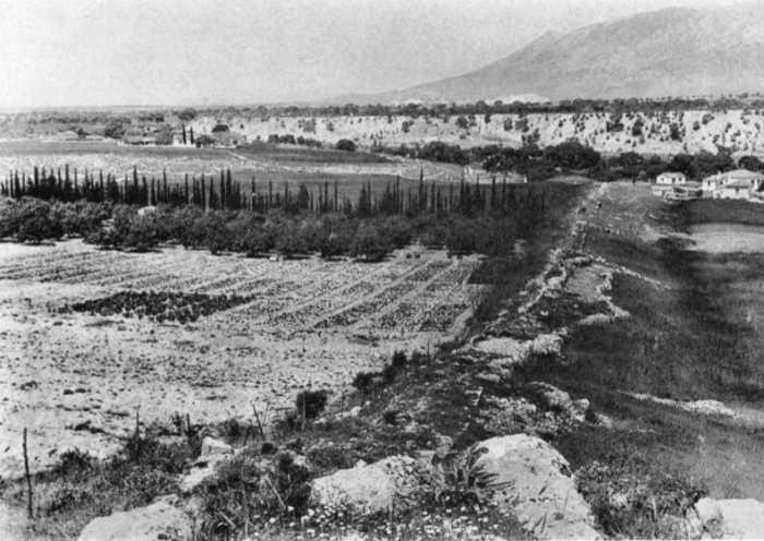 Το Τείχος των Ισθμίων, 1952
