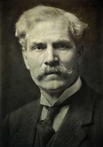 Ramsay MacDonald (12/10/1866 - 09/11/1937)