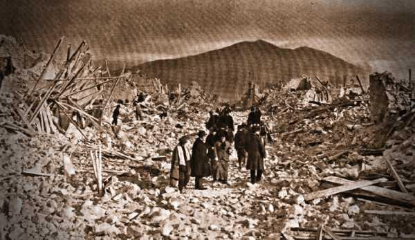 Τα ερείπια του Avezzano, μετά τον σεισμό του 1915