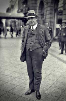 Edgar Wallace (01/04/1875 - 10/02/1932)
