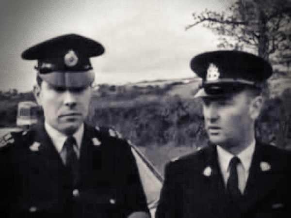 Οι Αστυνομικοί, αυτόπτες μάρτυρες του περιστατικού, Roger Willey (αριστερά) και Clifford Waycott (δεξιά)