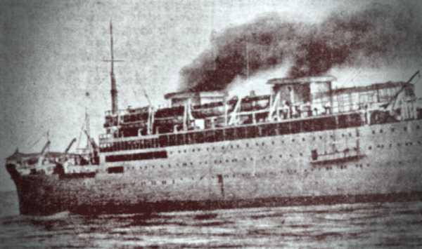 """Το γαλλικό υπερωκεάνιο """"Georges Philippar"""" που καταβυθίστηκε έπειτα από πυρκαγιά στις 16 Μαΐου του 1932"""