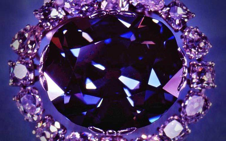 """Το καταραμένο """"Γαλάζιο Διαμάντι"""", που οδήγησε στον θάνατο τους κατόχους του…"""