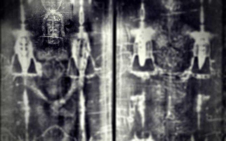 Οι τραγικές λεπτομέρειες του Θείου Δράματος, όπως αποτυπώθηκαν πάνω στην Ιερά Σινδόνη...