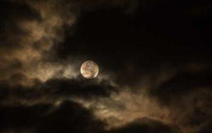 Οι μυστηριώδεις μεταβολές της Σελήνης…
