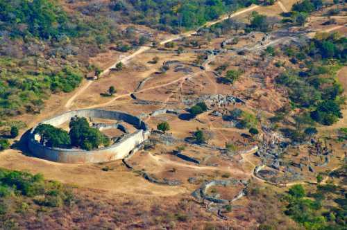Τα ερείπια της αρχαίας πόλης Μεγάλη Ζιμπάμπουε