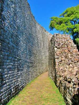 Τα διπλά τείχη της Μεγάλης Ζιμπάμπουε