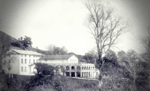 """Το Σανατόριο de Courmettes, όπου τη δεκαετία του 1920 χρησιμοποιούνταν ως τόπος πνευματιστικών συνεδριάσεων από το """"Cercle Sadyana"""""""