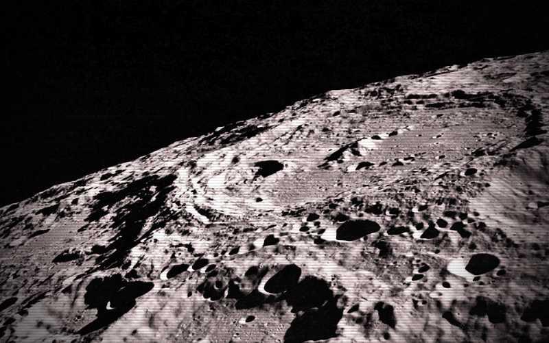 Άραγε υπάρχει ζωή κάτω από την επιφάνεια της Σελήνης;