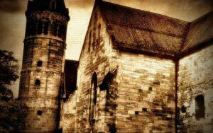 Στοιχειωμένοι πύργοι και μυστικοί υπόγειοι διάδρομοι...
