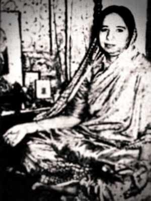 Shanti Devi (11/12/1926 - 27/12/1987)