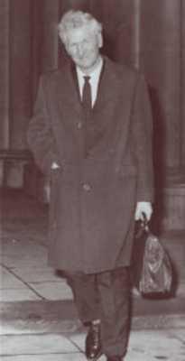 Sir Henry Cecil John Hunt (22/06/1910 - 07/11/1998)