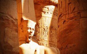 Ο μυστηριώδης πάπυρος του Φαραώ Αμενχοτέπ…