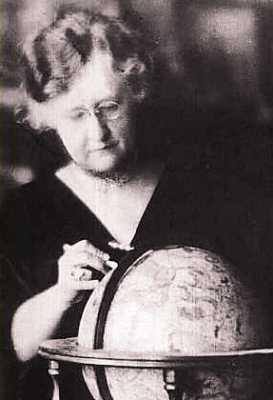 Evangeline Adams (08/02/1868 - 10 ή 12/11/1932)